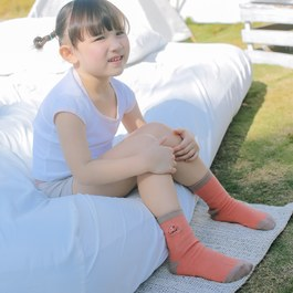 抗菌除臭萊卡中筒襪-朱雀